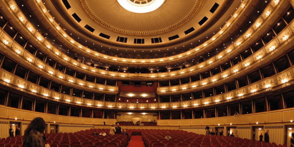 Сцена Венской государственной оперы